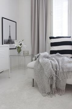 Söderhamn soffa | Ikea My Dream Home, Ikea, Vanilla, Sweet Home, Room Decor, Interiors, Blanket, Interior Design, Nest Design
