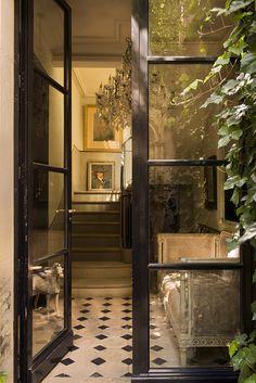 Splendid townhouse in the middle of Paris Paris Home, Townhouse Interior, French Apartment, Paris Apartments, French Interior, Fresco, Future House, Interior Decorating, Interior Design