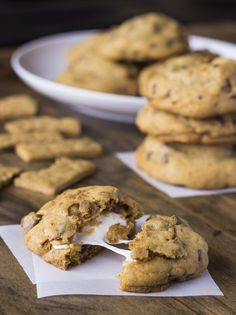Can be made vegan with subs: Marshmallow-Stuffed Smores Cookies | Veggie and the Beast