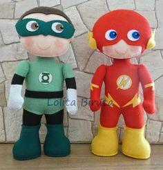 Boneco Lanterna verde e boneco the Flash em feltro com 25 cm de altura