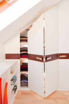 [Smart Organizing] Creative Storage Ideas for Small Spaces Loft Storage, Stair Storage, Bedroom Storage, Storage Ideas, Creative Storage, Attic Closet, Closet Bedroom, Attic Spaces, Small Spaces