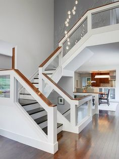 21 Beautiful Modern Glass Staircase Design - Home Design - Info Virals - New Fashion and Home Design around the World Interior Stair Railing, Stair Railing Design, Staircase Railings, Railing Ideas, Banisters, Staircase Ideas, Staircases, Modern Stair Railing, Glass Stairs