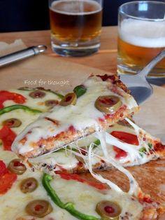 Είμαι τρελαμένη!!! Είμαι ξε-τρελαμένη!!!!!!!!!!! Προσπαθώ να μην είμαι υπερβολική στις εκδηλώσεις χαράς μου μα δεν τα καταφ... Slimming World, Quinoa, Zucchini, Tacos, Pizza, Vegetarian, Diet, Vegetables, Ethnic Recipes