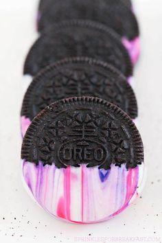 8 Galaxy Desserts That Are Out Of This World - Chocolate Oreo Desserts, Galaxy Desserts, Dessert Oreo, Oreo Cupcakes, Oreo Truffles, Oreo Pops, Oreo Cake, Oreo Cheesecake, Oreo Cookies