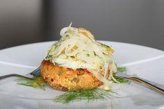 Flying Fish Bahamas Lionfish Cakes Recipe Chef Recipes, Fish Recipes, Seafood Recipes, Healthy Recipes, Healthy Food, Dinner This Week, Fish And Seafood, Salmon Burgers, Tapas