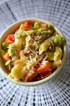 Lovin' From The Oven:Bacon Avocado Pasta - Lovin' From The Oven