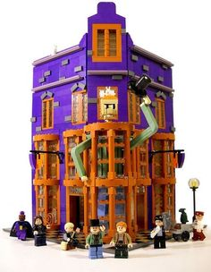 Wizarding Wheezes Weasley's Wizard Wheezes, I need this so badly I don't even care that I'm probably too old for lego.Weasley's Wizard Wheezes, I need this so badly I don't even care that I'm probably too old for lego. Lego Technic, Lego Duplo, Lego Ninjago, Harry Potter Advent Calendar, Lego Advent Calendar, Lego Harry Potter, Pokemon Lego, Ikea Dresser Makeover, Avengers