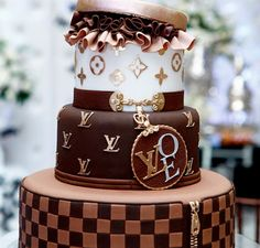 Cakes | 35 Things That Shouldn't Be Louis Vuitton-Monogrammed