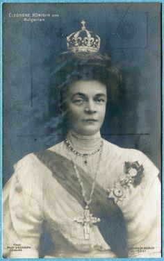 Princesa Eleonore Reuss de Kostritz era una hija soltera de la Casa Real de Reuss, cuando se convirtió en la segunda esposa y Sarita-consorte del zar Fernando I de Bulgaria, que se casó con ella para ser una especie de anfitriona real en lugar de un verdadero compañero. Ella cumplió su papel realeza y era una fuente de consuelo e inspiración para el pueblo búlgaro durante las guerras de los Balcanes (1912-1913) y más tarde, durante la Primera Guerra Mundial.
