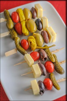 "Vegan Skewers with Field Roast Chao Cheese ""Creamy Original"" for Teatime!"