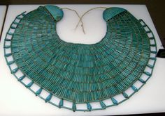 A broad, ancient Egyptian necklace. Ancient Egyptian Jewelry, Egyptian Art, Egyptian Costume, Egypt Jewelry, Jewelry Art, Key Jewelry, Long Pearl Necklaces, Sea Glass Jewelry, Crystal Jewelry