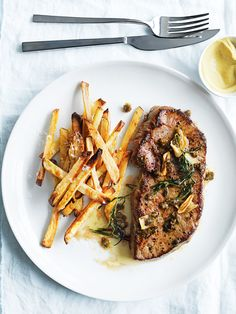 This recipe with veal cooked in tarragon butter and oven-roasted chips is a great option for when the family comes around for lunch or dinner. Grilled Steak Recipes, Beef Recipes, Salad Recipes, Healthy Recipes, Dessert Recipes, Steak And Chips, Donna Hay Recipes, Oven Roast, Main Meals