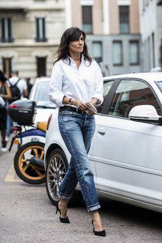 White button down + boyfriend jeans + black pumps.