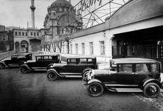 Ford Fabrikası. Tophane, İstanbul, Turkey. Ford factory in Tophane. 1929-1944 Nusretiye Camii yanı.