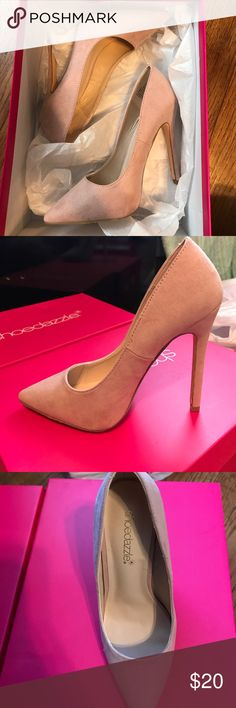 Shoe dazzle high heels Only worn once! Shoe Dazzle Shoes Heels