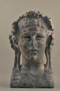 Buste en marbre de Bacchus (© Laurent Uroz, service Communication Ville d'Agde)