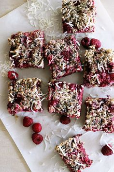 Raspberry Fig Bars [Vegan, Gluten-Free] - One Green PlanetOne Green Planet Healthy Treats, Healthy Recipes, Healthy Desserts, Easy Recipes, Slow Cooker Desserts, Fig Bar Recipe Vegan, Healthy Smoothie, Smoothies, Vegan Recipes Videos