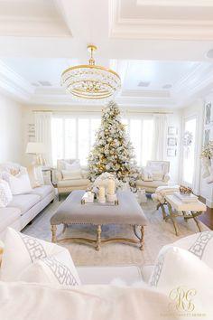 Oh Holy Night Christmas Home Tour - Randi Garrett Design Luxury Christmas Decor, Beautiful Christmas Decorations, Decoration Christmas, Elegant Christmas, Holiday Decor, White Christmas, Christmas Night, Christmas Home, Christmas Crafts