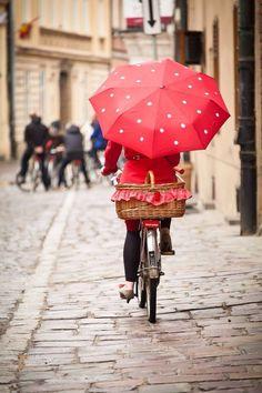 Ana Rosa, la cycliste s,envolera-t-elle au premier coup de vent. À suivre...