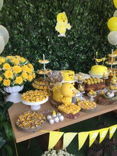 Festas Personalizadas em Brasília: Pintinho Amarelinho Prince Birthday Party, First Birthday Parties, First Birthdays, Happy Birthday, Rubber Ducky Baby Shower, Bee Party, Future Baby, Picnic, Table Decorations