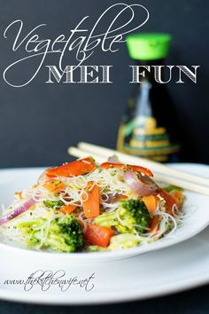 A quick and easy recipe for Vegetable Mei Fun. Vegetable Recipes, Vegetarian Recipes, Cooking Recipes, Healthy Recipes, Vegetable Dish, Vegetable Entrees, Veggie Dinners, Vegetarian Cookbook, Kitchens