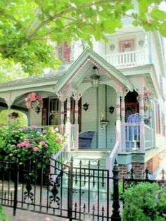 Pretty Gingerbread Trim!!! Bebe'!!! Darling Victorian Cottage!!!