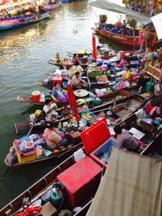 The Amphawa Floating Market at Bangkok Thailand @theculturetrip @budgettravel @lptravellerme