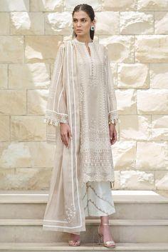 Buy Sania Maskatiya Embroidered Organza Dupatta Shirt from Lawncollection. Pakistani Fashion Casual, Pakistani Wedding Outfits, Pakistani Dresses Casual, Pakistani Dress Design, Indian Fashion, Dress Indian Style, Indian Dresses, Indian Outfits, Indian Designer Outfits