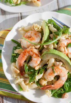 Shrimp, Avocado, and Spinach Pasta with Mango Vinaigrette | http://www.worldofpastabilities.com/shrimp-avocado-spinach-pasta-mango-vinaigrette/