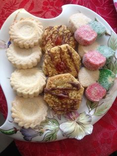 Mummy's Biscuit 3 Ways recipe by posted on 27 Apr 2018 . Recipe has a rating of by 3 members and the recipe belongs in the Biscuits & Pastries recipes category Chocolate Sugar Cookies, Chocolate Icing, Melting Chocolate, Biscuit Cake, Biscuit Cookies, Biscuit Recipe, Dough Ingredients, Halal Recipes, Sweet Cookies