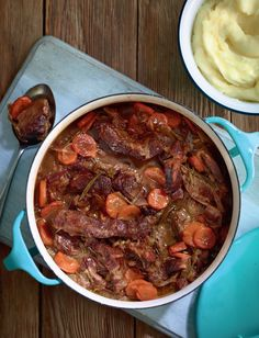 Tuck into this hearty beef stew from the hit cookbook, Eat Well For Less. Served with creamy mashed potato, it makes for a warming, filling dinner that the whole family will enjoy. Beef Shin Recipes, Meat Recipes, Cooking Recipes, Beef Recepies, Savoury Recipes, Drink Recipes, Yummy Recipes, Dinner Recipes, Hearty Beef Stew
