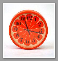 Orange seventies clock - Vintage