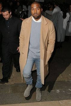 Kanye West has been papped in an array of drool-inducing overcoats lately but number one has to be this denim-complementing camel-coloured number. Kanye West Outfits, Kanye West Style, Kanye West Fashion, Men's Outfits, Fashion News, Mens Fashion, Fashion Trends, Paris Fashion, Camel Coat Outfit