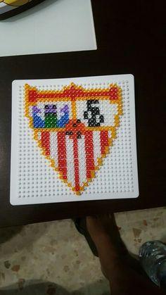 Escudo Sevilla FC. Hama Beads