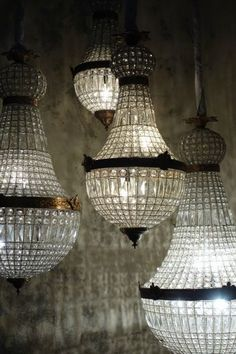 I love these Chandeliers. I can imagine a room full of them in different sizes a… - All For Decoration Antique Chandelier, Chandelier Lighting, Empire Chandelier, Crystal Chandeliers, French Chandelier, Art Deco Chandelier, Luminaire Original, Home Decoracion, Beautiful Lights