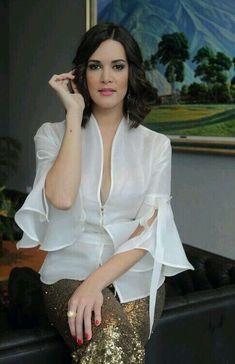 A blusa é muito bonita