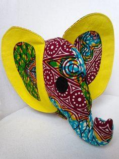 Doudou éléphant en tissu africain wax multicolore