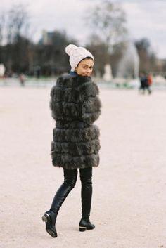 D E T A I L S    - Mid length fur coat