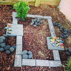 Lovely area for small world play outdoors on the preschool playground. Outdoor play with roads and toy cars. Outdoor Play Spaces, Kids Outdoor Play, Kids Play Area, Backyard For Kids, Outdoor Fun, Garden Kids, Outdoor Learning, Indoor Play, Backyard Projects