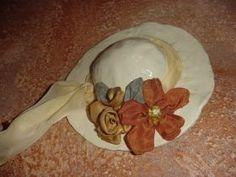 Διακοσμηση :: Διακοσμητικά Τοίχου :: Καπέλο με υφασμάτινα λουλούδια.