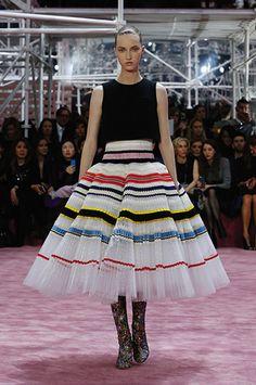 Silhouette_54 / Sfilata Haute-Couture Primavera-Estate 2015 / Haute Couture / Donna / Sito web ufficiale DIOR