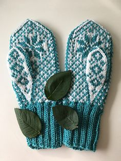 Ravelry: Vått pattern by Anita Kvendseth Mitten Gloves, Ravelry, Slippers, Socks, Knitting, Hats, Pattern, Diy Ideas, Scarves