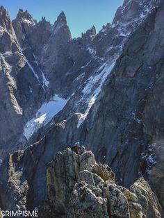 Arrivée au sommet du Peigne, majeur! #grimpisme #trad #granit #chamonix #montblanc #bealropes #BOREAL #chillaz
