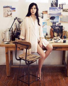 Park Si Yeon Elle Korea Magazine April 2012