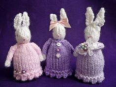 Cute little knitted bunnies -  Free pattern featured in Sova-Enterprises.com Newsletter!
