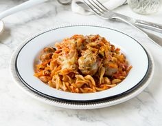 This Sausage & Veggie Pasta Bake recipe is family friendly comfort food at its best – pasta and sausages! And the veggies are well hidden. Healthy Mummy Recipes, Healthy Food List, Healthy Meals, Healthy Eating, Baby Recipes, Savoury Recipes, Dinner Healthy, Ww Recipes, Healthy Kids