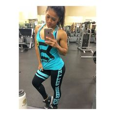 When your Better Bodies outfit is on point and you're all matchy matchy you can't help but take a selfie duh!  thank you @fitbodyclothing for making me look fab training  gym necessities are Better Bodues duh! #gymsesh #gymselfie #fitbodyclothing #betterbodies #gasp #betterbodiesclothing #train #getfit #fit #fitness #fitmom #fitspo #girlsthatlift #girlswholiftdoitbetter by rose_____b