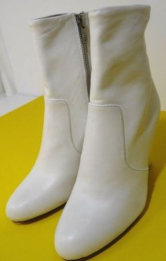 b0f72c03eac Steve Madden Editor Edit01S1 Soft White Leather Upper US 5M New ONLY ONE   SteveMadden  Booties. SKSHOPLLC · Women s Shoes