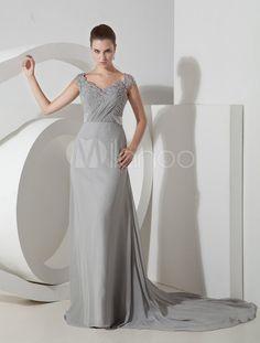 Vestido de noche plateado de gasa y de satén elástico con escote de corazón  y con · RasoChiffonAbiti ... db67e60a2bd