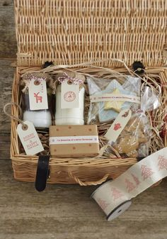 Crafty Christmas Hamper Ideas #christmas #hamper #stamping